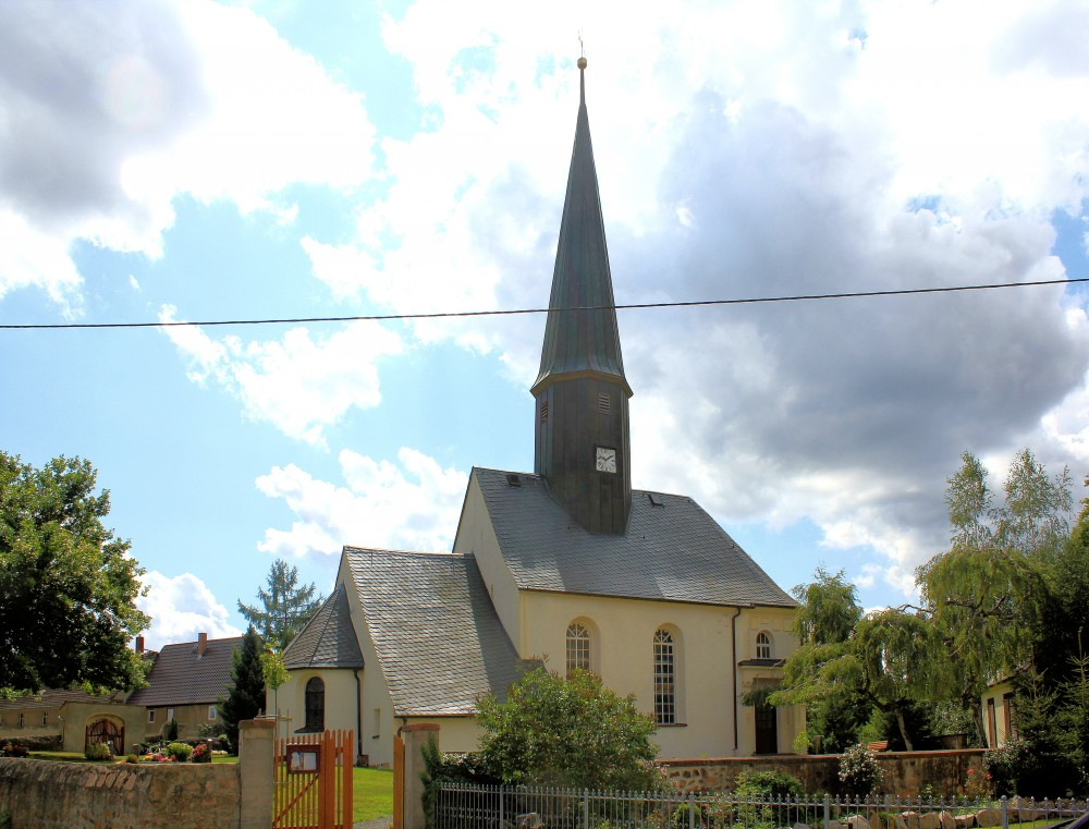 schoenau-kirche-frohburg-leipzig-e1425739088693